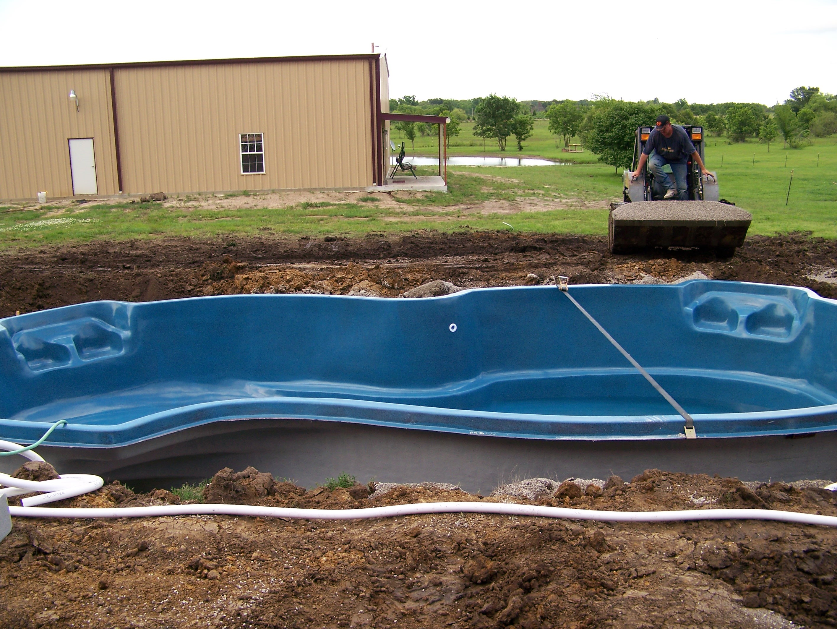 Fiberglass pools tulsa ok swimming pool contractor and construction Fiberglass swimming pool installation