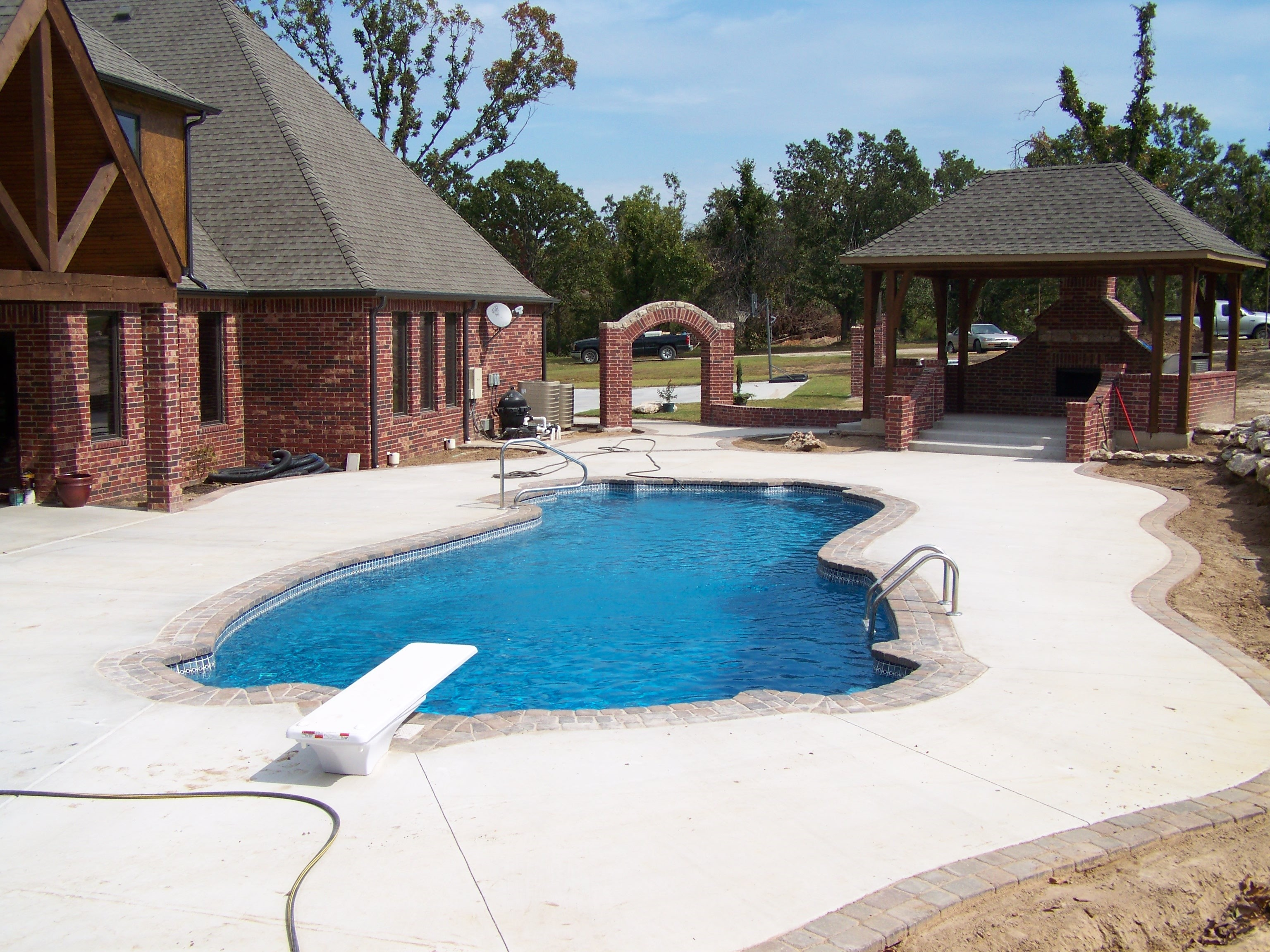 Coweta Pool And Fireplace Part - 29: Fiberglass Pool With An Outdoor Kitchen - Staying Cool Playing And Cooking!